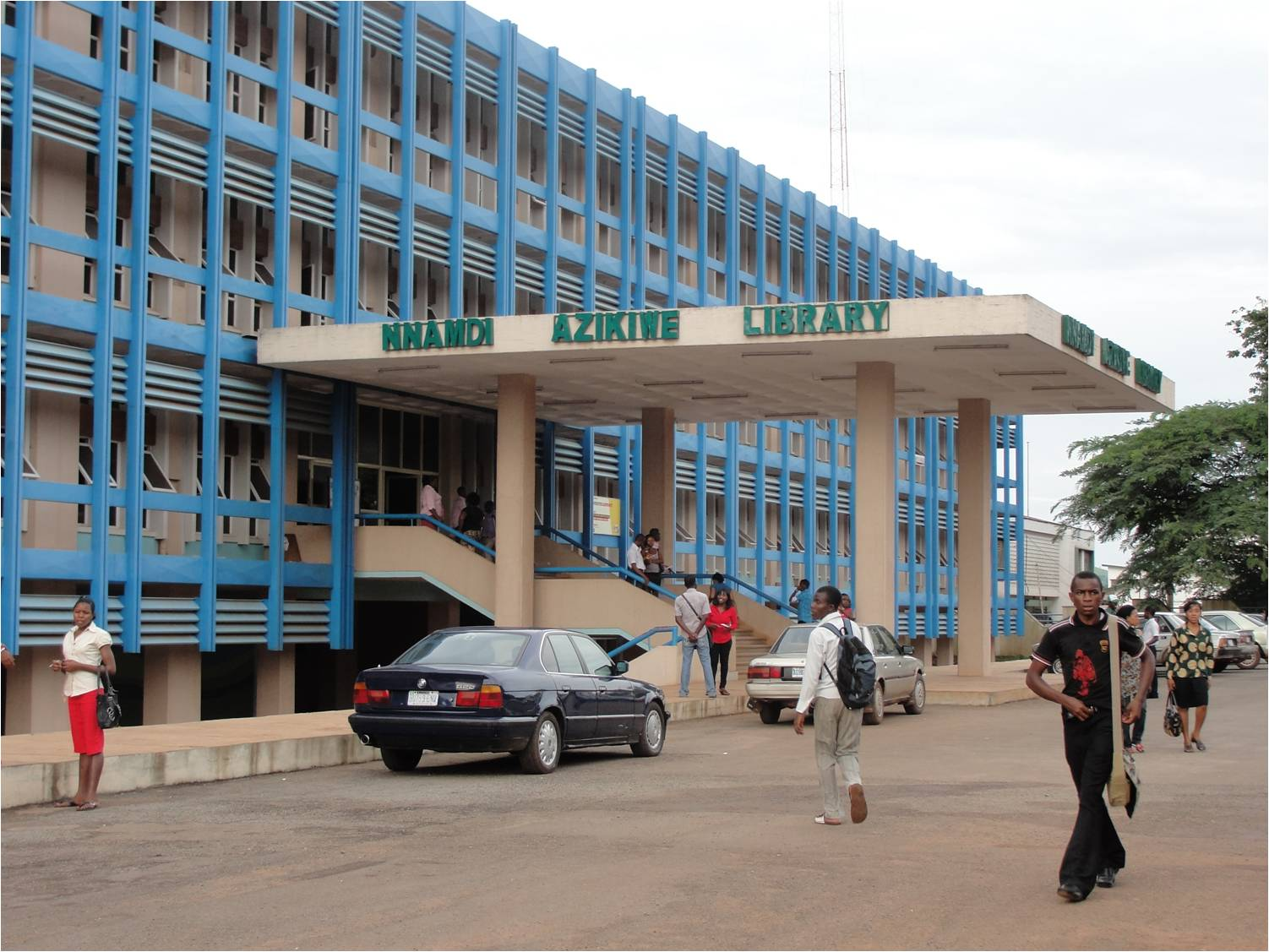 UNN Nnamdi Azikiwe Library largest University of Nigeria Nsukka