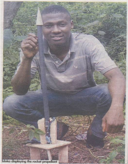unn student idoko modestus chijioke displaying rocket propellant amatuer astronomer